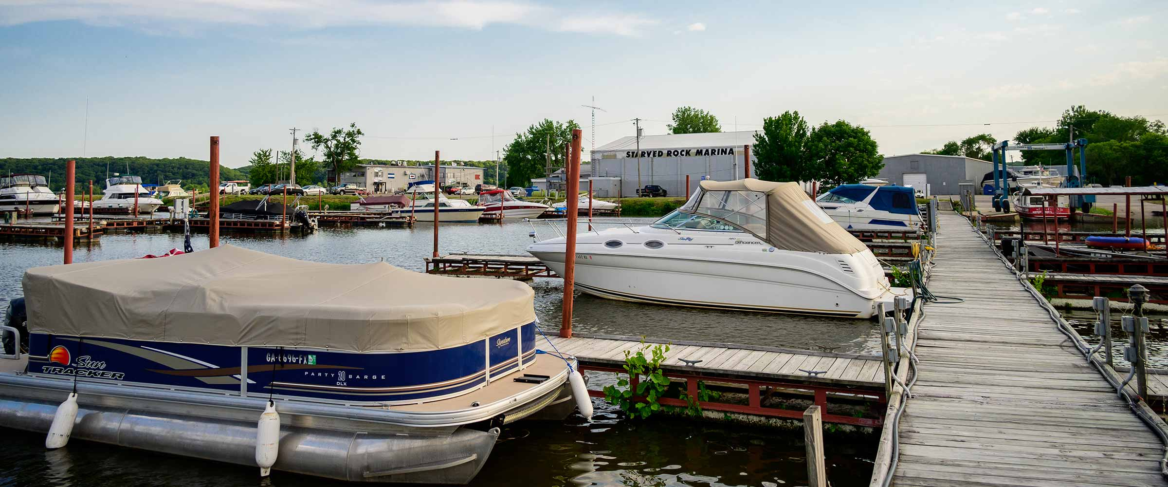 boat dock at Starved Rock Marina